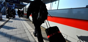 Lohnsteuerabzug: Beschaffung einer Bahncard durch den Arbeitgeber