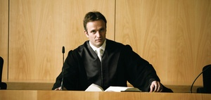 Colours of law: Richter betätigt sich als Drogenschnüffler
