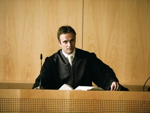 Colours of law: Das Hohe Gericht – was ist ihm geblieben?