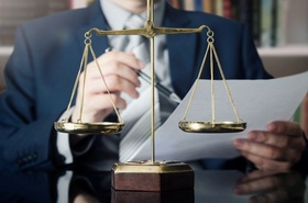 Richter Waage Akte Urteilsfindung