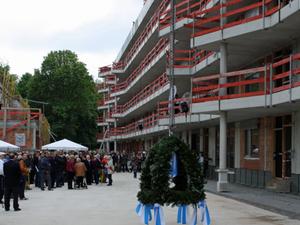 Wohnen im Alter: Richtfest für Mehrgenerationenhaus in München
