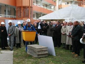 Leipzig: Grundsteinlegung für 28 Wohnungen und Geschäftssitz