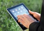 Haende halten iPad