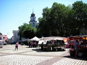 Reit übernimmt Fachmarktzentrum in Saarbrücken