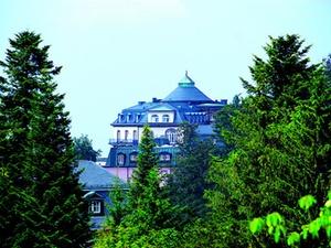 Transaktion: Investorenfirma kauft Schlosshotel Bühlerhöhe