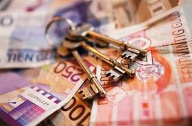 Schlüssel auf Geldscheinen
