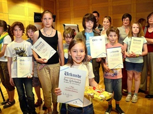 Spar-und Bauverein Dortmund veranstaltet Schreibwettbewerb