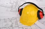 Schutzhelm mit Gehörschutz für Bau