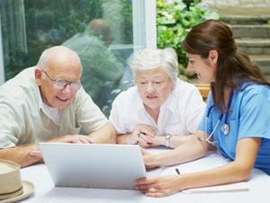 """Pflege: Eine """"Demenz-WG"""" ist eine stationäre Pflegeeinrichtung"""