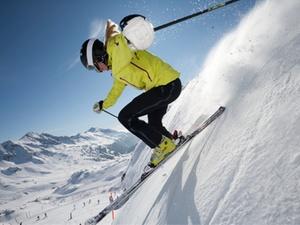 Vorsicht auf der Skipiste: Verkehrsregeln auch im Schnee beachten