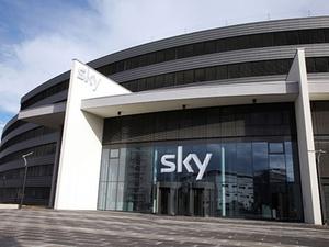 Gold Treekauft SKY-Headquarter in Unterföhring