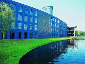 Übernahme: SRH Holding kauft Weiterbildungsanbieter