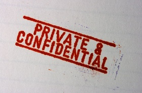 "Stempelaufschrift ""private and confidential"""