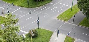 Fahrerpflichten beim Verlassen der Kreuzung nach der Grünphase