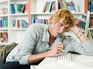 Kein Abzug der Kosten für ein Erststudium