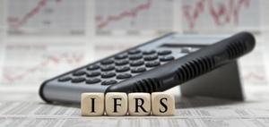IASB veröffentlicht Änderungen an IAS 8 und IAS 1