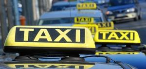 """Taxifahrer im """"Mietmodell"""" sind nicht selbstständig tätig"""