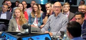 Telekom: die Vorstandssitzung öffnet sich