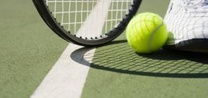 Umsätze eines Tennislehrers sind nicht umsatzsteuerfrei