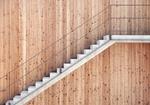 Treppe an Holzfassade