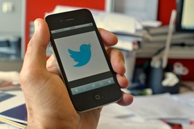 Twitter_Smartphone_Telefonieren_Surfen_DSC7537