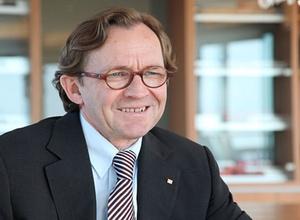 Ulrich Weber bleibt bis 2017 DB-Personalchef