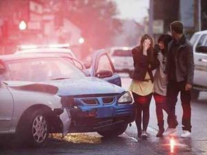 Unfall auf dem Weg zur Betriebsversammlung: Wegeunfall?
