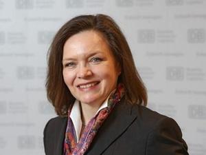 Ute Plambeck wird Personalvorstand der DB Netz AG