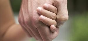 Keine Vaterschaftsanfechtung bei geordneten Familienverhältnissen