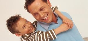 BVerfG: Adoption von Stiefkindern auch bei unverheirateten Paaren