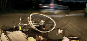 Haftung: E-Bikerin geht wegen unklarem Unfallhergang leer aus