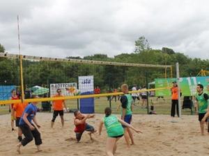 Unitas: Wohnungswirtschaft spielt Beach Volleyball
