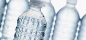 Flaschen zu kennzeichnen ist lebenswichtig: Risiko Gefahrstoff