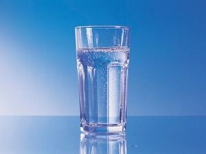 Besser Wasser als Kaffee und Saft