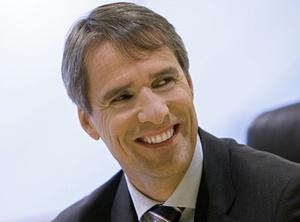 Daimler erweitert Aufgabenbereich von Arbeitsdirektor Porth