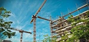 Anteiliger Schuldzinsenabzug bei Herstellung eines Gebäudes