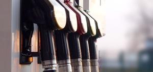 Nächtlicher Sturz beim Tanken – haftet der Betreiber?