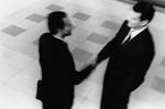 Zwei Männer beim Handschlag