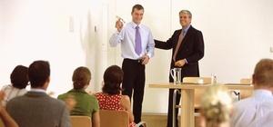 Personalentwicklung: Arbeitgeber skeptisch bei informellem Lernen